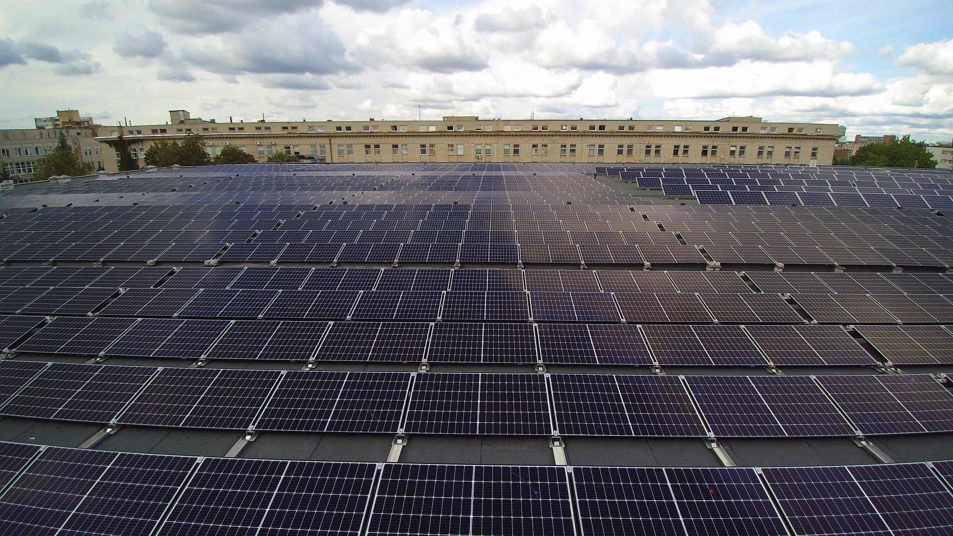 Saulės elektrinė verslui