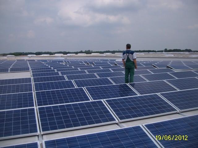 Saulės elektrinė Vokietijoje ant Volkswagen stogo