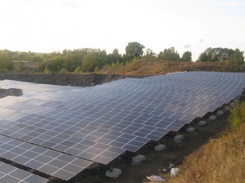 4 MW saulės modulių ir 2 MW konstrukcijų sumontavimas Eislebene, Vokietija